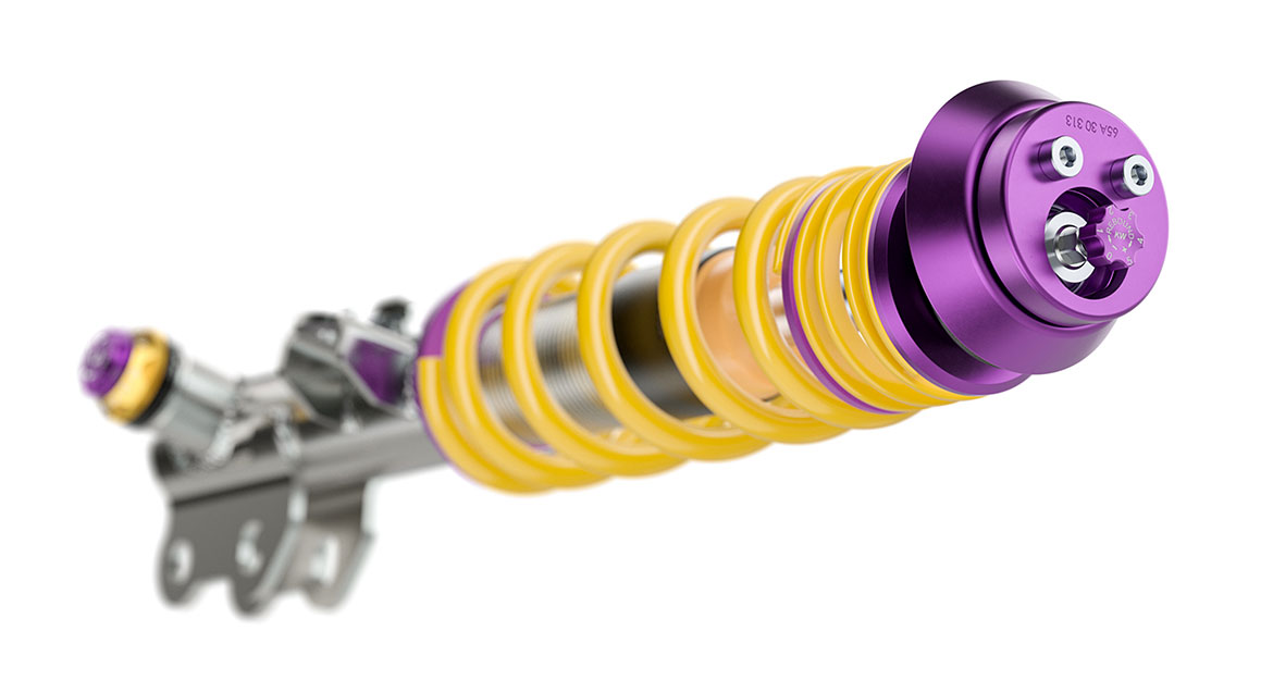 With the KW Clubsport 3-way coilover for the compact Toyota GR Yaris, the compression forces can be manually adjusted independently in the low-speed and high-speed ranges. The rebound can also be altered manually.